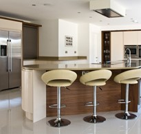 Parapan-Ivory-kitchen-with-Walnut.jpg